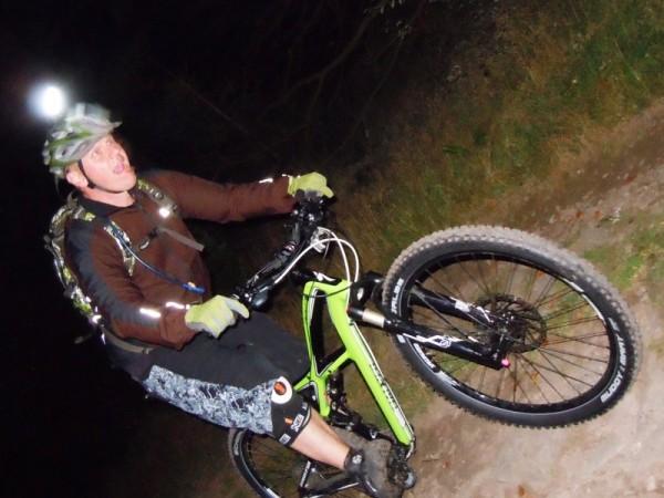 Nightrider 2011 - Trailscout Sascha hat Spaß in der Nacht