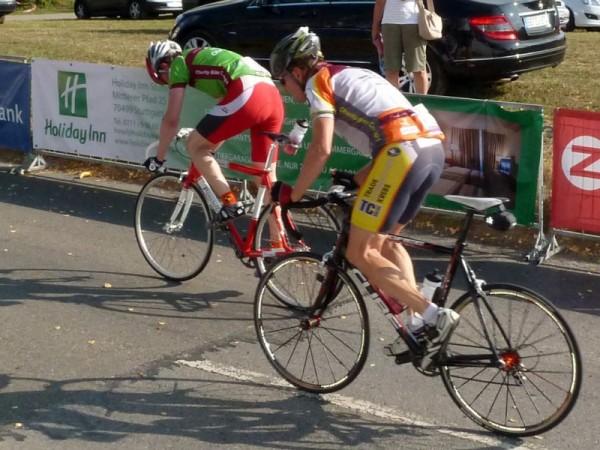 15:48 Uhr - Nico Boldt beim Charity Bike Cup 2011 im Schlußanstieg der Runde 3