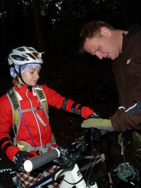 Trailscout Sascha stellt die Bremse ein